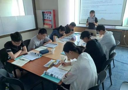 全日制英语初级班